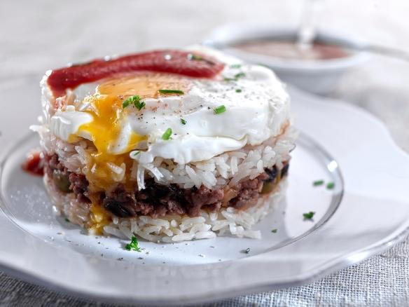 arroz-tapado-con-huevos-fritos-3.jpg?w=584&h=438